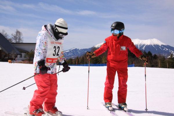 スキースクールが賑わってます。