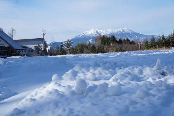 雪づくりがスタート